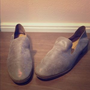 Lucky 🍀 brand gray leather flats